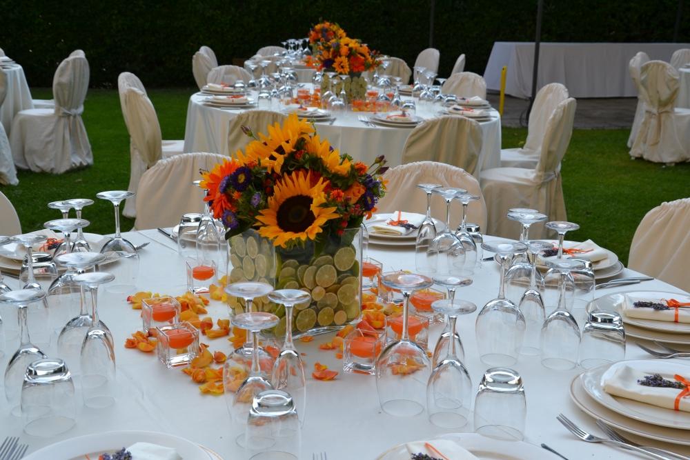 Matrimonio Con Tema Girasoli : Matrimonio allestimento tavolo